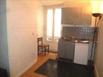 Appartement Paris 18 &bull; <span class='offer-area-number'>13</span> m² environ &bull; <span class='offer-rooms-number'>1</span> pièce