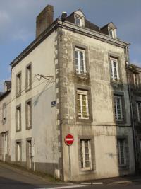 Maison Mayenne &bull; <span class='offer-area-number'>142</span> m² environ &bull; <span class='offer-rooms-number'>8</span> pièces