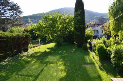 Maison Couzon au Mont d Or &bull; <span class='offer-area-number'>180</span> m² environ &bull; <span class='offer-rooms-number'>7</span> pièces