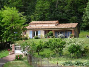 Maison Castelsarrasin &bull; <span class='offer-area-number'>141</span> m² environ &bull; <span class='offer-rooms-number'>4</span> pièces