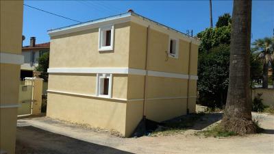 Maison Le Golfe Juan &bull; <span class='offer-area-number'>80</span> m² environ &bull; <span class='offer-rooms-number'>3</span> pièces