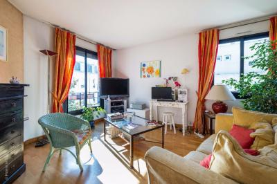 Appartement Charenton le Pont &bull; <span class='offer-area-number'>89</span> m² environ &bull; <span class='offer-rooms-number'>4</span> pièces