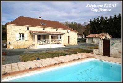 Maison Dausse &bull; <span class='offer-area-number'>210</span> m² environ &bull; <span class='offer-rooms-number'>8</span> pièces
