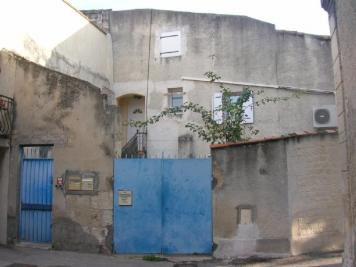 Immeuble Jonquieres St Vincent &bull; <span class='offer-area-number'>270</span> m² environ &bull; <span class='offer-rooms-number'>11</span> pièces