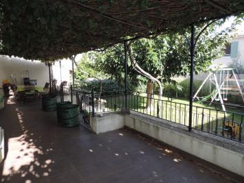 Maison St Martin de Crau &bull; <span class='offer-area-number'>130</span> m² environ &bull; <span class='offer-rooms-number'>6</span> pièces