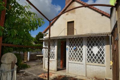 Maison La Chapelaude &bull; <span class='offer-area-number'>45</span> m² environ &bull; <span class='offer-rooms-number'>2</span> pièces