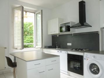 Appartement St Etienne &bull; <span class='offer-area-number'>46</span> m² environ &bull; <span class='offer-rooms-number'>2</span> pièces