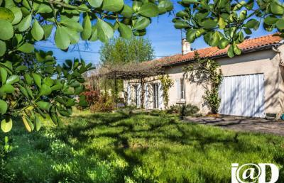 Maison St Yzan de Soudiac &bull; <span class='offer-area-number'>85</span> m² environ &bull; <span class='offer-rooms-number'>4</span> pièces