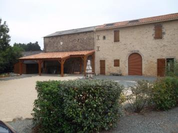 Maison Chauche &bull; <span class='offer-area-number'>200</span> m² environ &bull; <span class='offer-rooms-number'>5</span> pièces