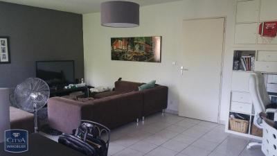 Appartement Montfavet &bull; <span class='offer-area-number'>72</span> m² environ &bull; <span class='offer-rooms-number'>3</span> pièces