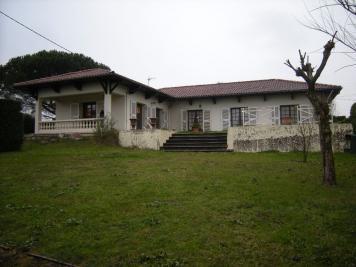 Maison Romans sur Isere &bull; <span class='offer-area-number'>135</span> m² environ &bull; <span class='offer-rooms-number'>7</span> pièces