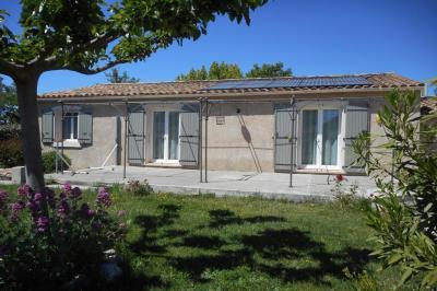 Villa Loriol du Comtat &bull; <span class='offer-area-number'>98</span> m² environ &bull; <span class='offer-rooms-number'>5</span> pièces