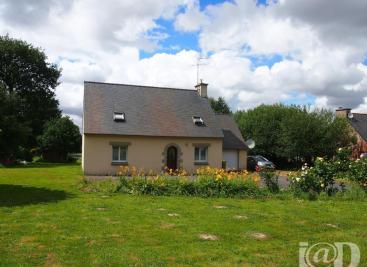 Maison St Carreuc &bull; <span class='offer-area-number'>100</span> m² environ &bull; <span class='offer-rooms-number'>5</span> pièces