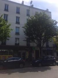Appartement St Ouen &bull; <span class='offer-area-number'>52</span> m² environ &bull; <span class='offer-rooms-number'>3</span> pièces