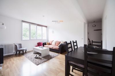 Appartement Le Vesinet &bull; <span class='offer-area-number'>57</span> m² environ &bull; <span class='offer-rooms-number'>3</span> pièces