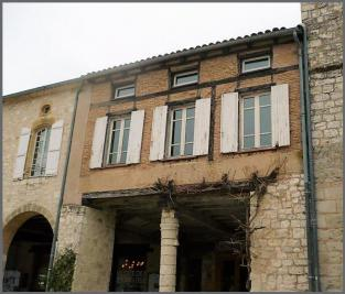 Appartement Monflanquin &bull; <span class='offer-area-number'>160</span> m² environ &bull; <span class='offer-rooms-number'>6</span> pièces