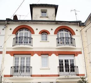 Maison Chauny &bull; <span class='offer-area-number'>205</span> m² environ &bull; <span class='offer-rooms-number'>6</span> pièces