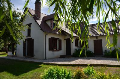Maison Vernou en Sologne &bull; <span class='offer-area-number'>150</span> m² environ &bull; <span class='offer-rooms-number'>5</span> pièces