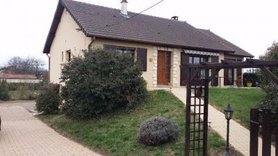 Maison Estivareilles &bull; <span class='offer-area-number'>105</span> m² environ &bull; <span class='offer-rooms-number'>5</span> pièces