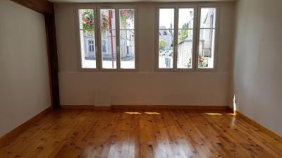 Appartement St Branchs &bull; <span class='offer-area-number'>70</span> m² environ &bull; <span class='offer-rooms-number'>3</span> pièces