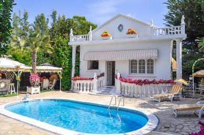Villa Ghisonaccia &bull; <span class='offer-area-number'>81</span> m² environ &bull; <span class='offer-rooms-number'>3</span> pièces