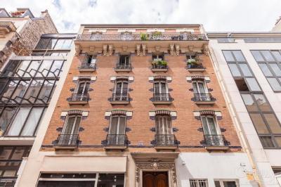 Appartement Paris 14 &bull; <span class='offer-area-number'>47</span> m² environ &bull; <span class='offer-rooms-number'>2</span> pièces