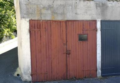 Parking Chaville &bull; <span class='offer-area-number'>14</span> m² environ &bull; <span class='offer-rooms-number'>1</span> pièce