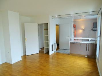 Appartement Montrouge &bull; <span class='offer-area-number'>49</span> m² environ &bull; <span class='offer-rooms-number'>2</span> pièces