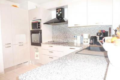 Appartement Cannes la Bocca &bull; <span class='offer-area-number'>69</span> m² environ &bull; <span class='offer-rooms-number'>3</span> pièces