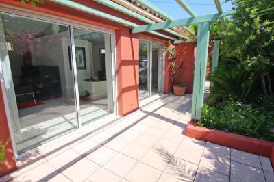 Maison Juan les Pins &bull; <span class='offer-area-number'>136</span> m² environ &bull; <span class='offer-rooms-number'>3</span> pièces