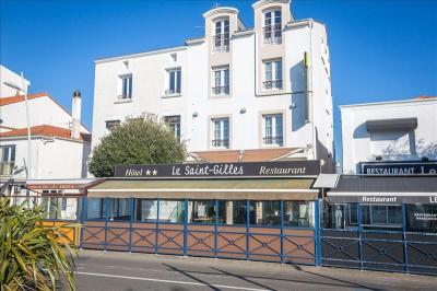 Appartement St Gilles Croix de Vie &bull; <span class='offer-area-number'>450</span> m² environ &bull; <span class='offer-rooms-number'>4</span> pièces