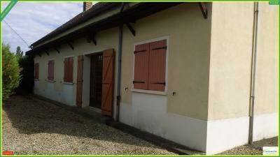 Maison St Valerien &bull; <span class='offer-area-number'>105</span> m² environ &bull; <span class='offer-rooms-number'>4</span> pièces