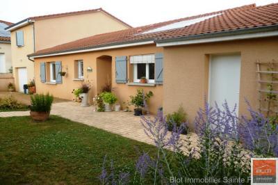 Maison Issoire &bull; <span class='offer-area-number'>132</span> m² environ &bull; <span class='offer-rooms-number'>6</span> pièces