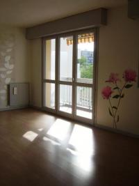 Appartement St Chamond &bull; <span class='offer-area-number'>77</span> m² environ &bull; <span class='offer-rooms-number'>4</span> pièces