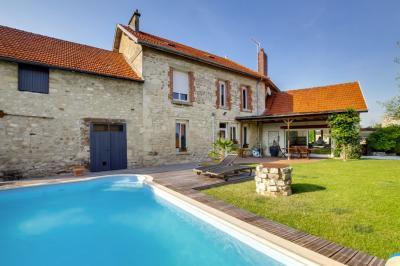 Maison Jonchery sur Vesle &bull; <span class='offer-area-number'>293</span> m² environ &bull; <span class='offer-rooms-number'>9</span> pièces