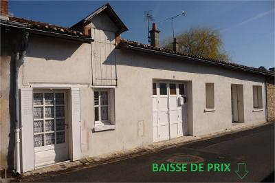 Maison Richelieu &bull; <span class='offer-area-number'>84</span> m² environ &bull; <span class='offer-rooms-number'>4</span> pièces