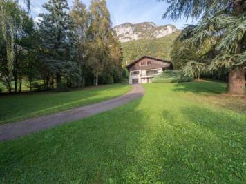 Maison Veyrier du Lac &bull; <span class='offer-area-number'>177</span> m² environ &bull; <span class='offer-rooms-number'>6</span> pièces
