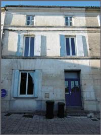 Maison Burie &bull; <span class='offer-area-number'>115</span> m² environ &bull; <span class='offer-rooms-number'>5</span> pièces