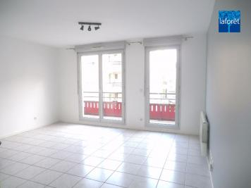 Appartement Lyon 08 &bull; <span class='offer-area-number'>60</span> m² environ &bull; <span class='offer-rooms-number'>3</span> pièces