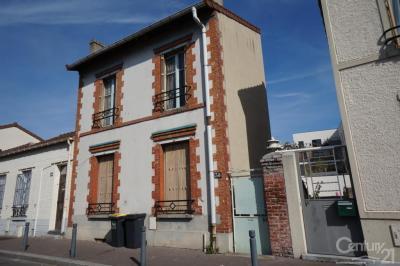Maison St Denis &bull; <span class='offer-area-number'>70</span> m² environ &bull; <span class='offer-rooms-number'>4</span> pièces