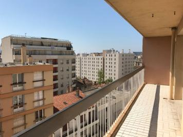 Appartement Marseille 10 &bull; <span class='offer-area-number'>93</span> m² environ &bull; <span class='offer-rooms-number'>4</span> pièces