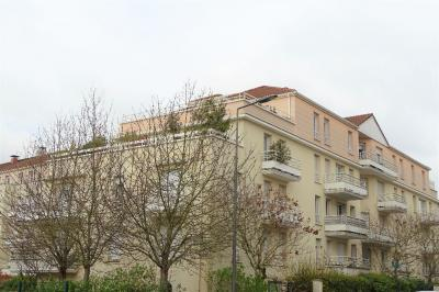 Appartement Courdimanche &bull; <span class='offer-area-number'>81</span> m² environ &bull; <span class='offer-rooms-number'>4</span> pièces