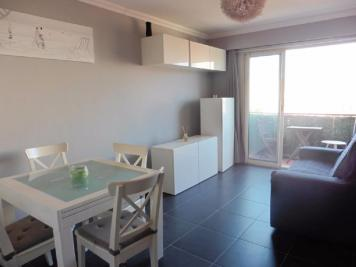 Appartement Cagnes sur Mer &bull; <span class='offer-area-number'>44</span> m² environ &bull; <span class='offer-rooms-number'>2</span> pièces
