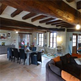 Maison Parcay sur Vienne &bull; <span class='offer-area-number'>251</span> m² environ &bull; <span class='offer-rooms-number'>6</span> pièces