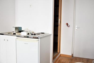 Appartement Paris 18 &bull; <span class='offer-area-number'>19</span> m² environ &bull; <span class='offer-rooms-number'>1</span> pièce
