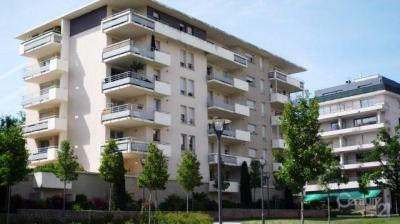 Appartement Rodez &bull; <span class='offer-area-number'>65</span> m² environ &bull; <span class='offer-rooms-number'>3</span> pièces