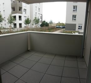 Appartement Vaulx en Velin &bull; <span class='offer-area-number'>62</span> m² environ &bull; <span class='offer-rooms-number'>3</span> pièces