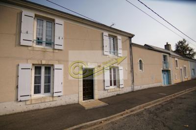 Maison La Fleche &bull; <span class='offer-area-number'>110</span> m² environ &bull; <span class='offer-rooms-number'>8</span> pièces