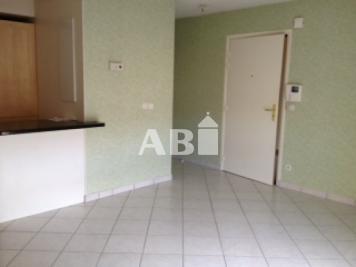 Appartement St Julien en Genevois &bull; <span class='offer-area-number'>40</span> m² environ &bull; <span class='offer-rooms-number'>2</span> pièces