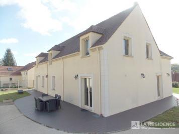 Maison Brueil en Vexin &bull; <span class='offer-area-number'>243</span> m² environ &bull; <span class='offer-rooms-number'>7</span> pièces